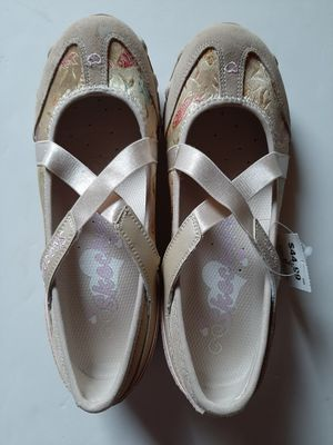 Skechers Girls Size 3M Shoes for Sale in Kendallville, IN
