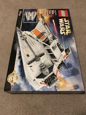 Lego Star Wars UCS Snowspeeder 75144 for Sale in Kennesaw, GA
