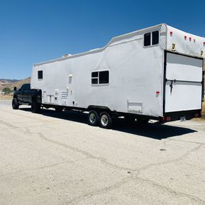 TOY HAULER for Sale in Long Beach, CA