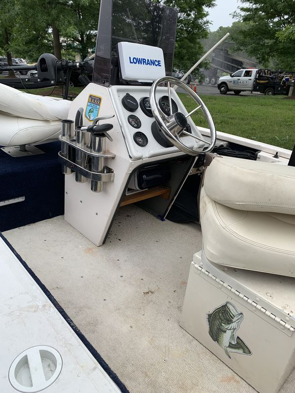 Make disco 1995/gas and electric motor so many things /stereo and speakers waterproof/seat leathers/gps/fish finder