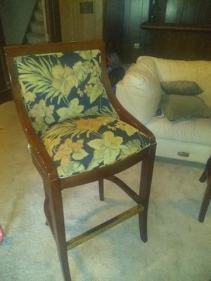 4 bar stools real cherry wood excellent condition for Sale in Gibsonia, PA