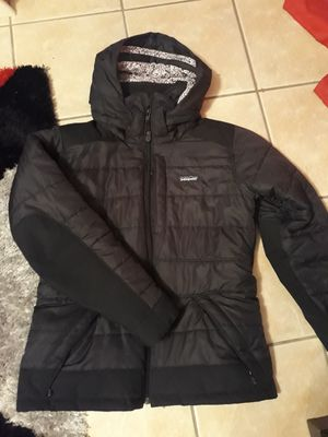 Women's Patagonia black coat jacket size M like new for Sale in Willow Springs, IL