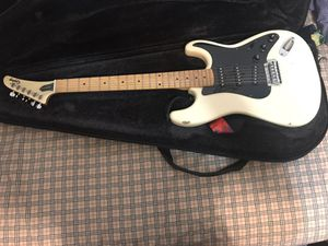 Gibson epiphone guitar w/amp, case and cable for Sale in Silver Spring, MD