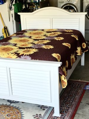 Full Size Bed / Includes Mattress + Box Spring / Real Wood - Coaster Brand / Beautiful Bed! for Sale in Chino, CA