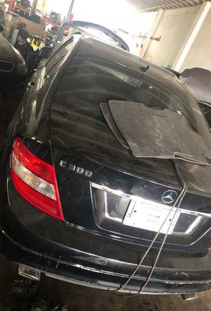 Mercedes Benz C 300 parts, door ,interior ,wheels , radio , air bag etc 2008 for Sale in Miami Gardens, FL