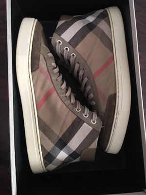Burberry authentic for Sale in Philadelphia, PA