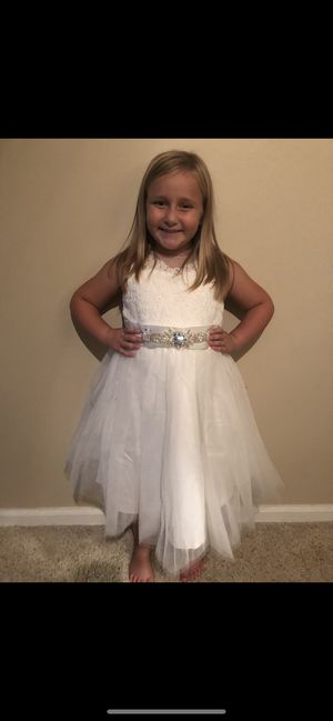 Size 8 flower girl dress NWT for Sale in Cuyahoga Falls, OH