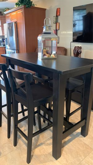 Tall wooden chairs and table for Sale in Miami, FL