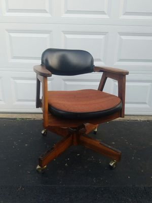 Mid Century swivel office chair by eck Adams Furniture for Sale in Aurora, IL