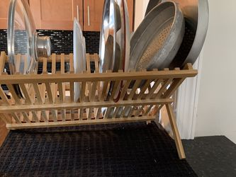 Wooden sturdy dish drying rack stand with dish drying mat for Sale in Jersey City,  NJ