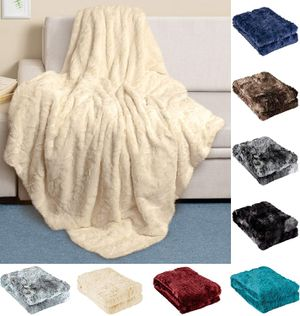 Luxury Faux Fur Throw Blanket - Ultra Soft and Fluffy - Plush Blankets for Couch Bed & Living Room - Fall Winter & Spring - 50x65 (Full Size) Ivory for Sale in Queens, NY