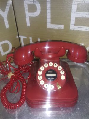 Red vintage style telephone for Sale in West Palm Beach, FL