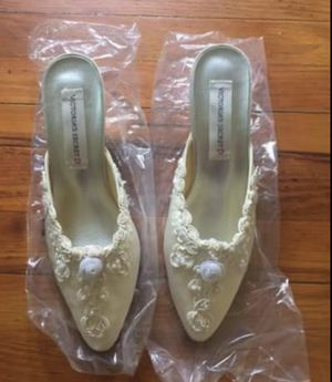 Victoria's Secret heeled slippers for Sale in Sanford, NC