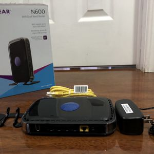 Netgear N600 Router for Sale in Garden Grove, CA