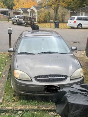 2002 Ford Taurus with sunroof for Sale in Thornville, OH