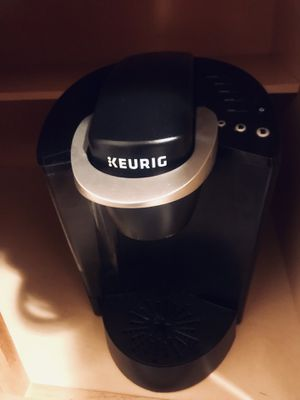 Coffee Maker, Keurig brand with free K-cup Holder! for Sale in Boston, MA