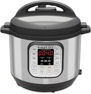 Instant pot duo 80! 8 quart capacity for Sale in Austin, TX
