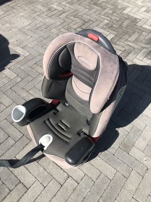 Graco car seat & booster 2-1 for Sale in Fort Lauderdale, FL