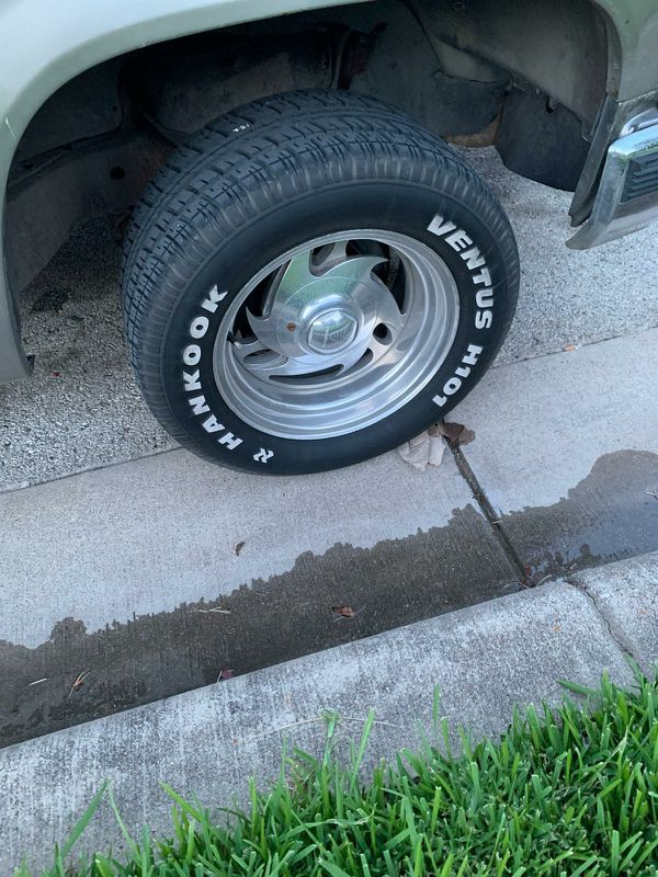 I have a set of 15x8 baby billets that I would like to trade for a nice set of 22 inch rims and tires 5x5 bolt pattern.