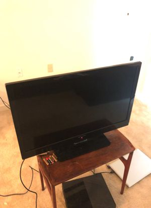 Tv 32 inch for Sale in Silver Spring, MD