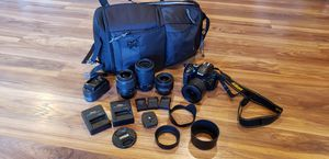 Nikon D5200 with lenses and batteries for Sale in San Antonio, TX