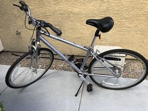 "Schwinn Men's Trailway 28"" Hybrid Bike for Sale in Las Vegas, NV"