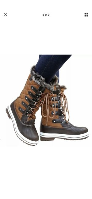 Women's snow boots / SNOWBOOTS para mujeres sizes available for Sale in South Gate, CA