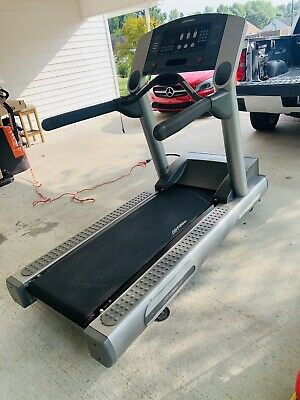 Life fitness 95Ti Treadmill 4HP motor/12MPH/ incline 15% for Sale in Boise, ID