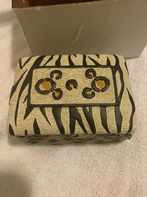 New Disney's Animal Kingdom small rectangle box for Sale in Fontana, CA