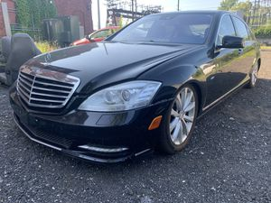 Parting out 2011 Mercedes s400 just parts for Sale in Stratford, CT