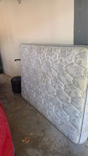 Used full mattress. FREE for Sale in Arlington, TX