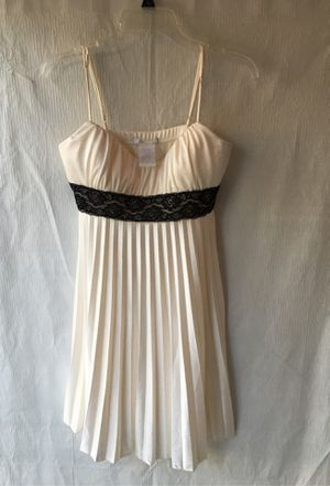 White dress for Sale in Santa Ana, CA