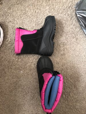 Girls size 11 snow boots for Sale in Upper Marlboro, MD