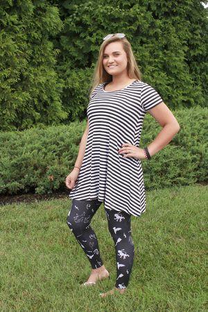 Black & white stripe tunic for Sale in Bunker Hill, WV