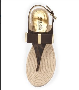 Auth Michael Kors Leather Bow Thong Sandal size 5 for Sale in Fremont, CA