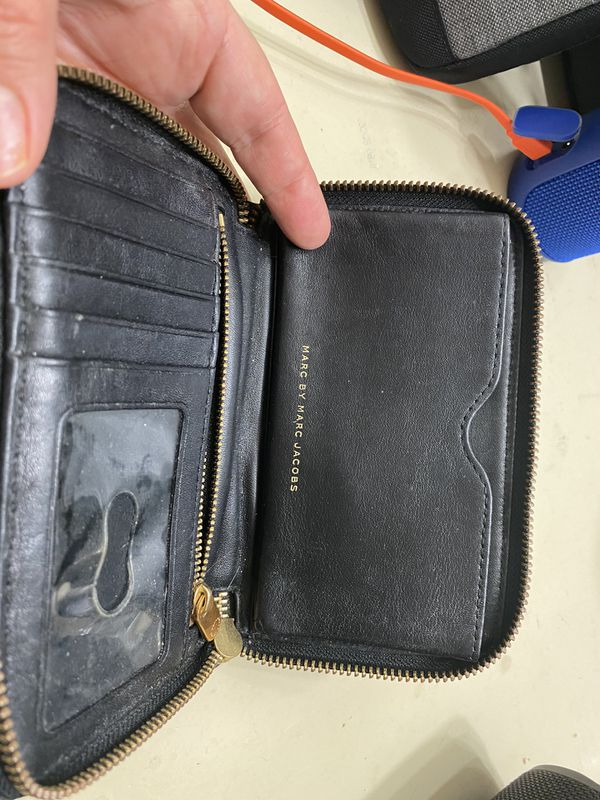 Wallets Authentic