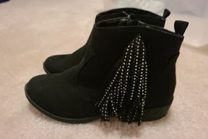 Girls booties with fringes, size 4, Steve Madden for Sale in Virginia Beach, VA