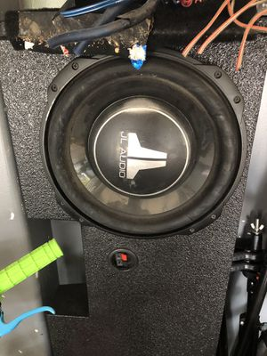 "Jl audio speakers 12"" 2 amps jl audio pro box for 2014 GMC Sierra for Sale in Houston, TX"