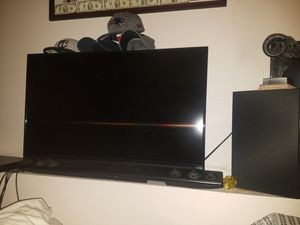 Visio led 4k TV 40 inch with Lg bar and bass system for Sale in Saint Paul, MN