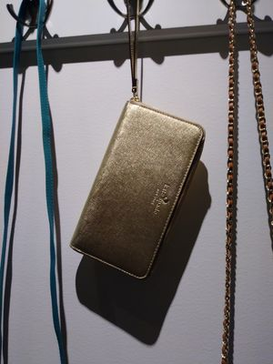 BRAND NEW/NEVER USED MED TO LARGE KATE SPADE GOLD WALLET w/strap for Sale in Salt Lake City, UT