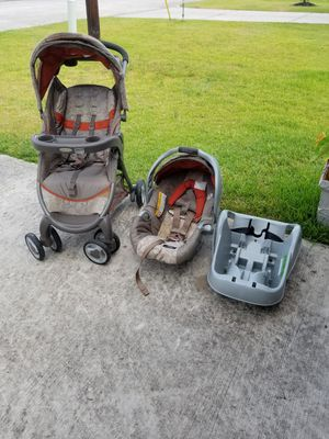 Graco car seat with base and stroller for Sale in Shenandoah, TX