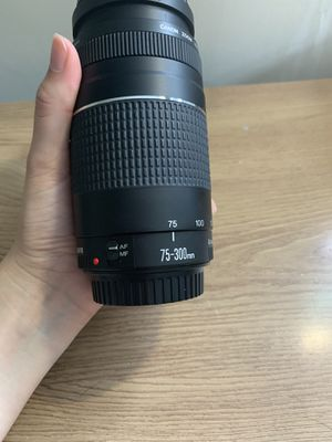 Canon lenses 70-300mm f/4-5.6 III telephoto zoom lenses for Sale in Wilbraham, MA