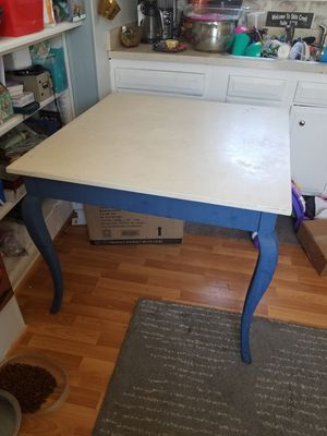 Small kitchen table for Sale in Castle Rock, CO