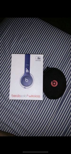 Beats solo 2 wireless mlb Dodgers rare used for Sale in Los Angeles, CA