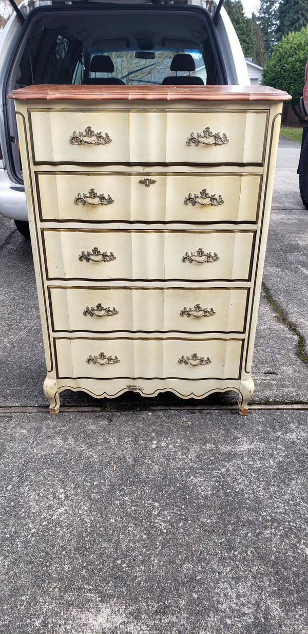 Bassett 5 Drawer French Provincial Solid Wood Dresser 36w 19d 50t