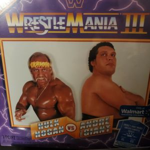 Wrestlemania III Hulk Hogan Vs Andre The Giant T- Shirt /Gift Box for Sale in Hazelwood, MO