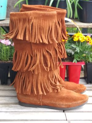 Minnetonka moccasins women's 6 for Sale in Conover, OH
