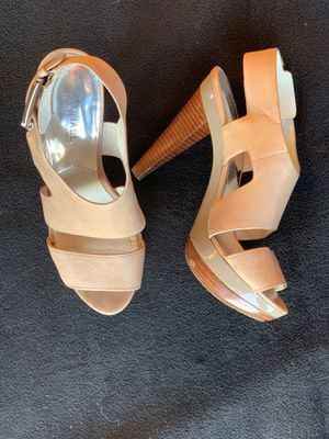 Michael Kors tan leather platform sandal 7.5 M for Sale in Seattle, WA