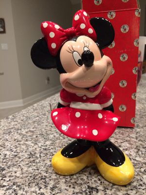 Disney Minnie Mouse figurine for Sale in Dripping Springs, TX