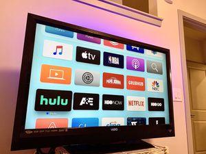 """VIZIO 47"""" 1080p HD LCD TV for Sale in Herndon, VA"""